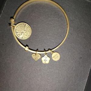 Woman's bracelet